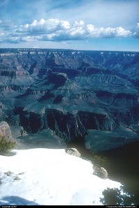 Grand Canyon : Adding to the ever breathtaking beauty of the vista, snow had not yet completely melted at places. Even though traffic is limited to the South Rim, February can be considered as one of the best period to discover the Park