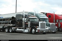 Photo by airtrainer | Hors de la ville  truck, interstate, peterbilt, rest area