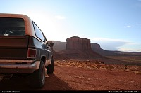Monument Valley, a private tour on this old Chevrolet Blazer, woww !