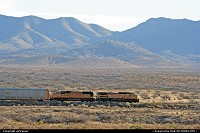 Photo by airtrainer | Hors de la ville  train, desert, mountains