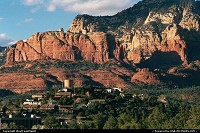 Arriving Sedonna, often nicknamed Red Rock Country. This nice city is surrounded by red rock monoliths.Among others: Coffeepot, Cathedral, Thunder Mointain. Worth a visit, isn't it?