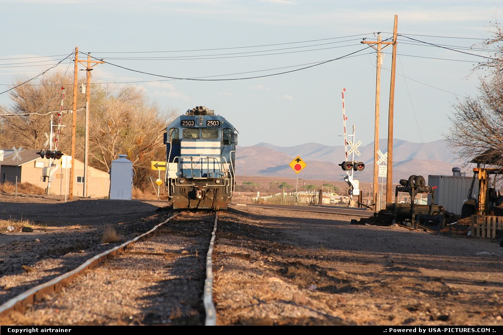 Picture by airtrainer: Hors de la ville Arizona   train