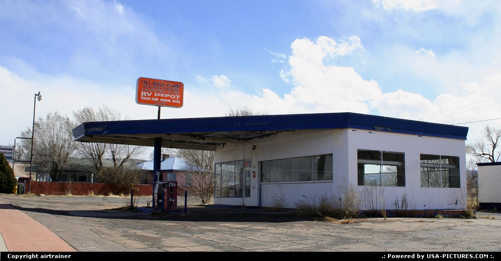 Picture by airtrainer: Springerville Arizona   gas station