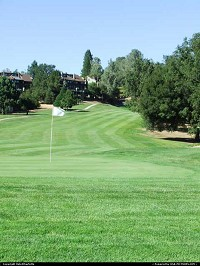 Groveland : Pine Mountain Lake public golf course and country club