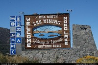Lee Vining : Nice nice in front of the Tioga Pass entrance. Around Mono Lake.