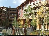 Mammoth Lakes : hotel at mammoth lakes
