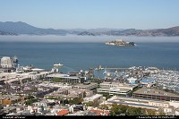 Overview of the San Francisco bay, with the Fisherman's Wharf and Alcatraz island.