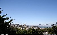 San Francisco : View from the Coit Tower, with the Golden Gate Bridge in the distance...