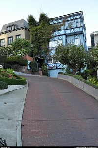 Photo by elki | San Francisco  lombard street