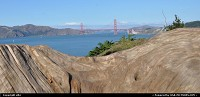 San Francisco : golden gate bridge from the coastal trail