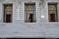 city hall entrance at san francisco california
