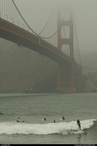 San Francisco : Surf in the usa, and under world famous bridge !!