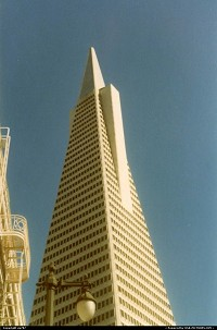 Completed in 1972, the 260 meter-48 storey hight Transamerica Tower is not the world tallest building, but it's one of the most distinctive ones.