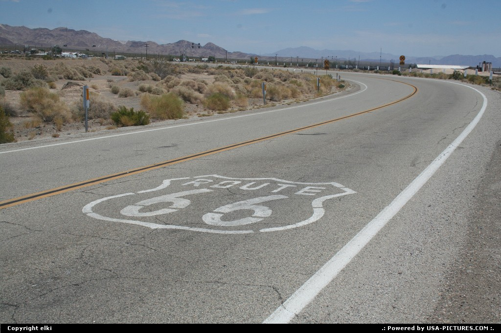 Picture by elki:AmboyCaliforniaamboy route 66