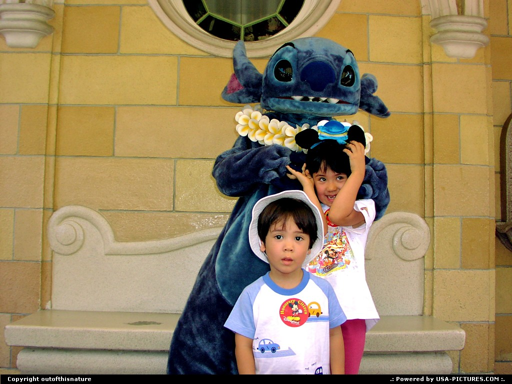 Picture by outofthisnature: Anaheim California   kids, Stitch, Disneyland