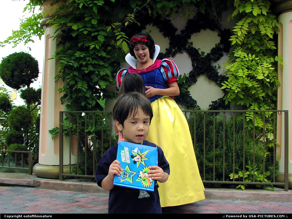 Picture by outofthisnature: Anaheim California   Snow White, Disneyland, autograph