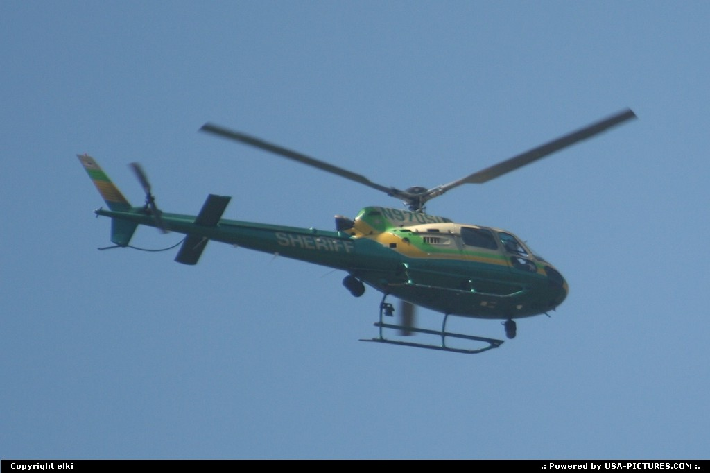 Picture by elki: Los Angeles California   sheriff helicopter