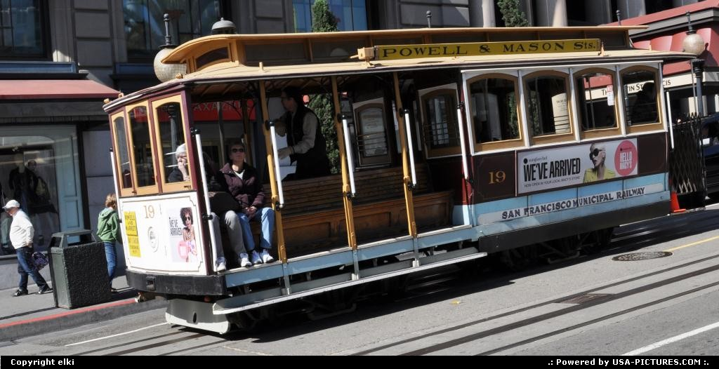 Picture by elki:San FranciscoCaliforniacable car powell sqare san francisco california