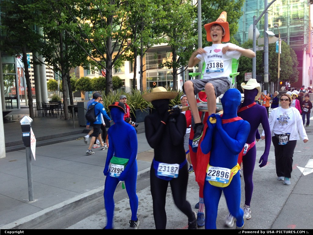 Picture by elki: San Francisco California   Bay to breakers 2013 San Francisco