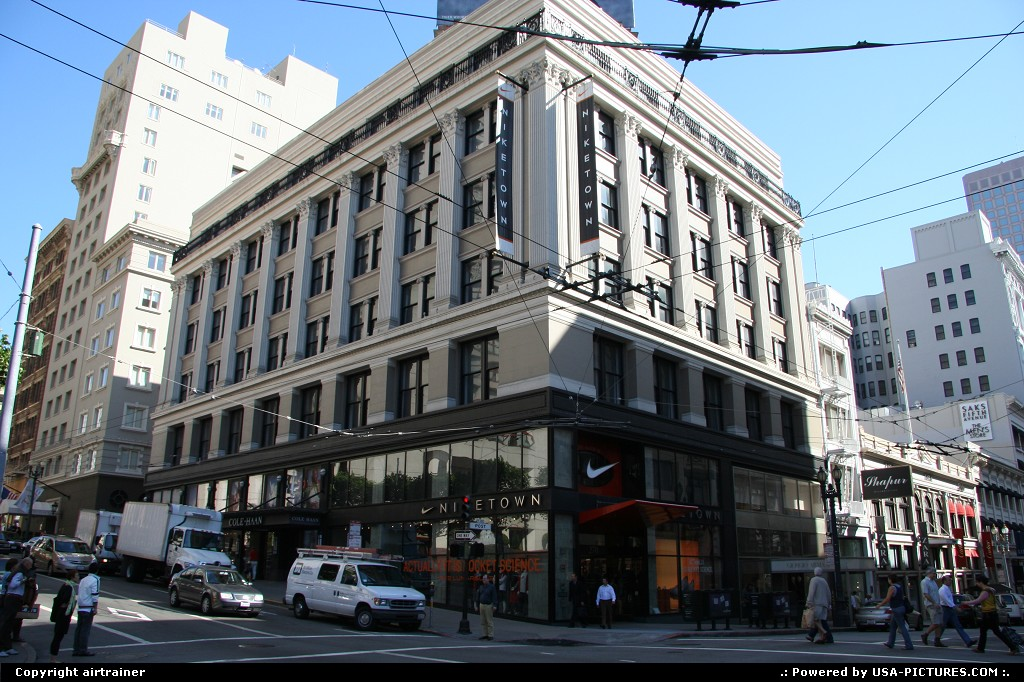 Picture by airtrainer: San Francisco California   niketown, union square