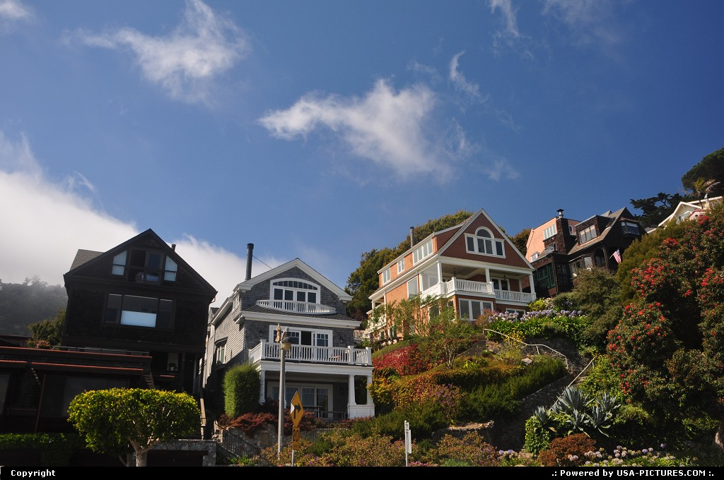 Picture by WestCoastSpirit: Sausalito California   house, cliff, house boat, bay area