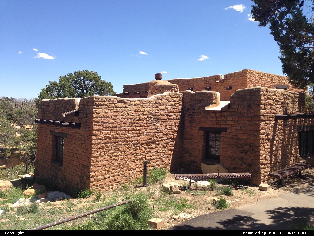 Picture by WestCoastSpirit:  Colorado Mesa Verde Museum kiva, pithouse, dwelling