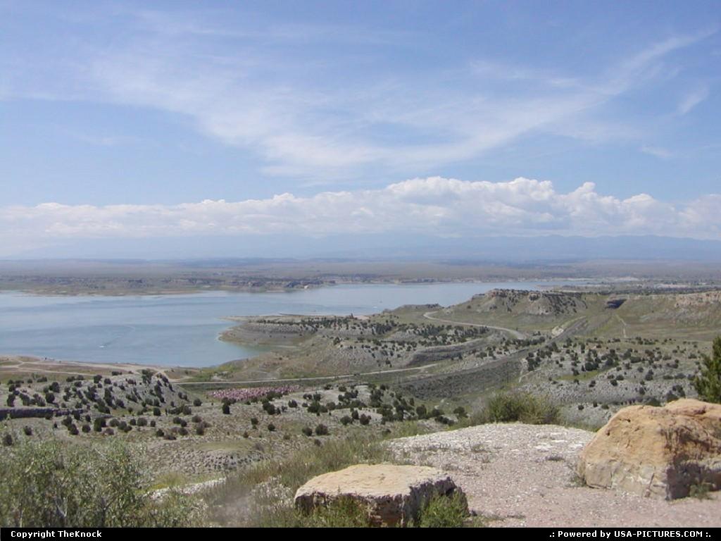 Picture by TheKnock:PuebloColoradoLake Pueblo