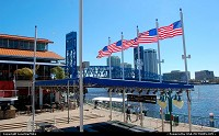 Jacksonville : Outdoor Plaza at Jacksonville Landing