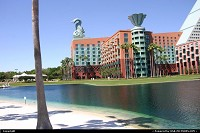 Lake Buena Vista : The Swan and Dolphin resort by Epcot, Disney, enjoying a well deserved break after the Techmentor event in Orlando