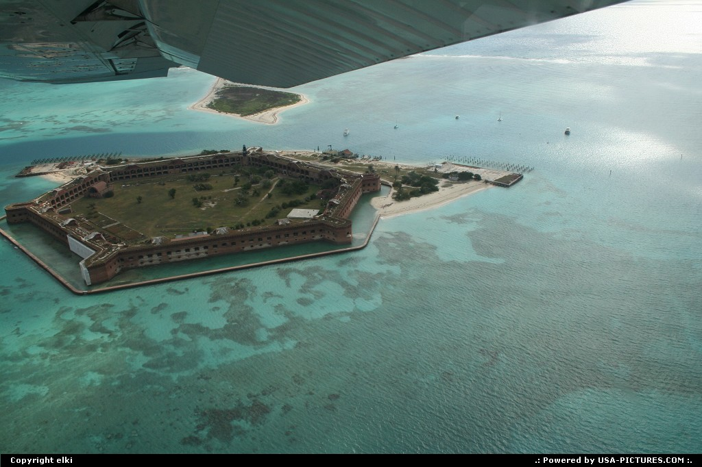 Picture by elki:  Florida Dry Tortugas  fort jefferson