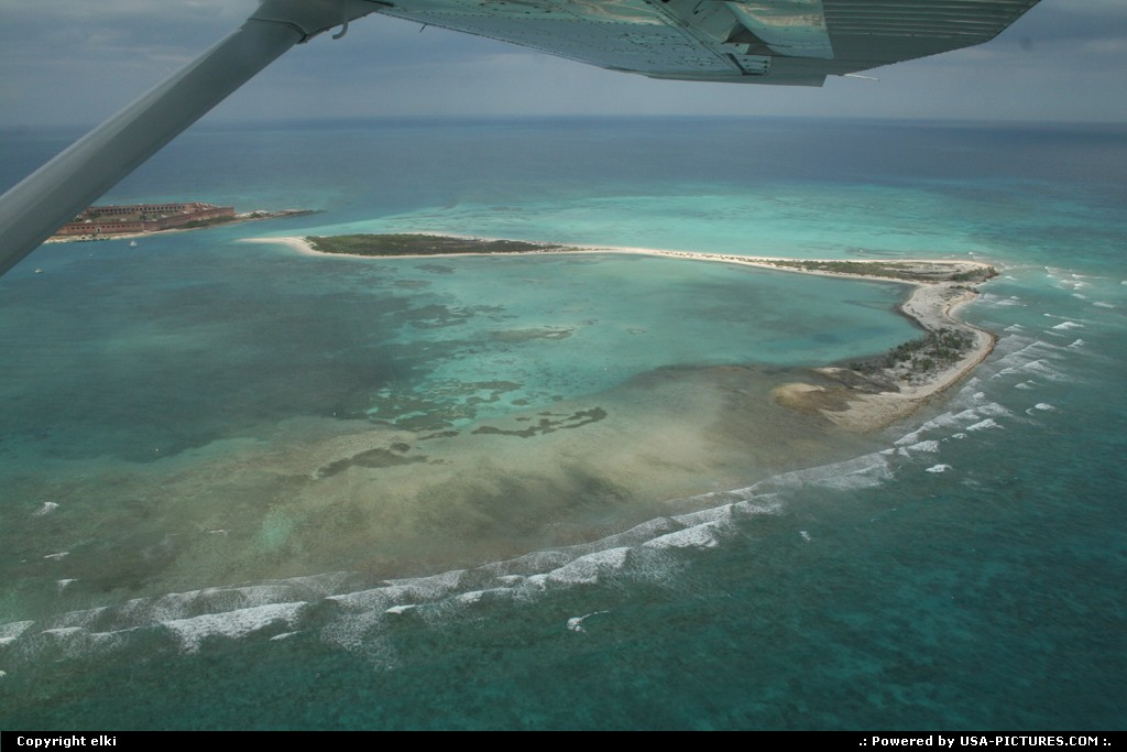 Picture by elki:  Florida Dry Tortugas  fort jeferson