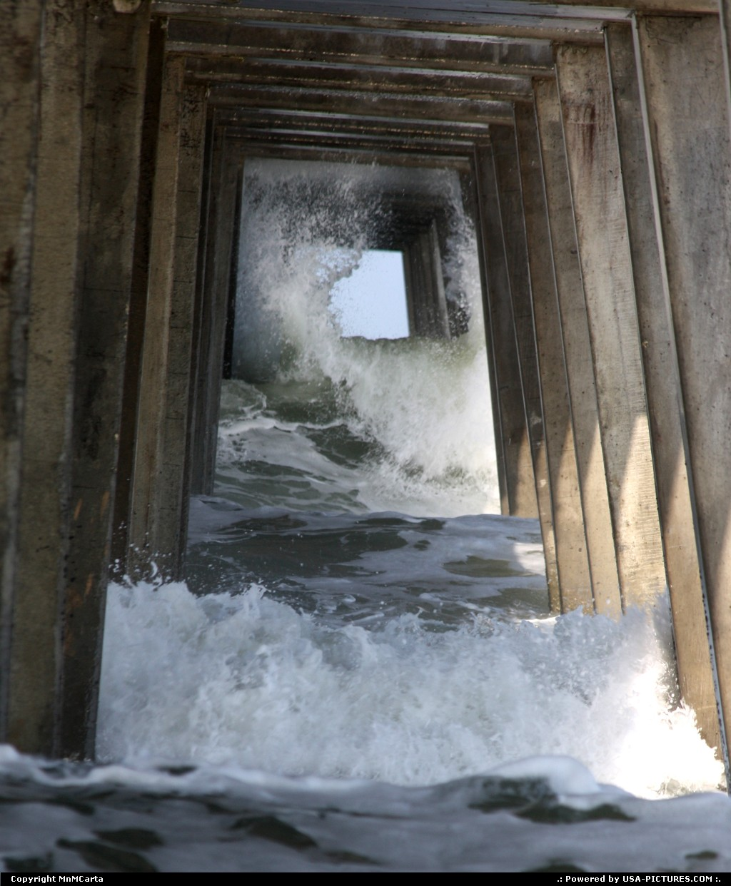 Picture by MnMCarta:Jacksonville BeachFloridahurricane,earl,water,wave,pier,action,storm,current,pilings,jacksonville,florida