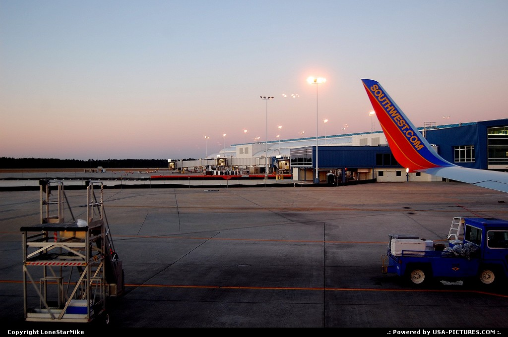 Picture by LoneStarMike: Jacksonville Florida   Airport, terminal