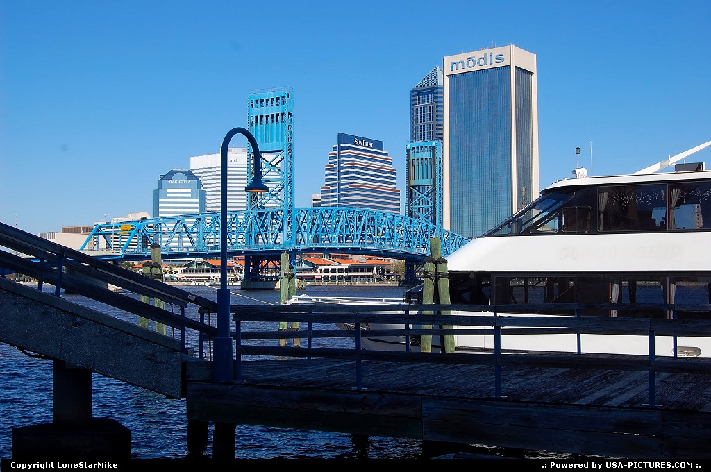 Picture by LoneStarMike: Jacksonville Florida   Skyline, yacht, bridge, waterfront