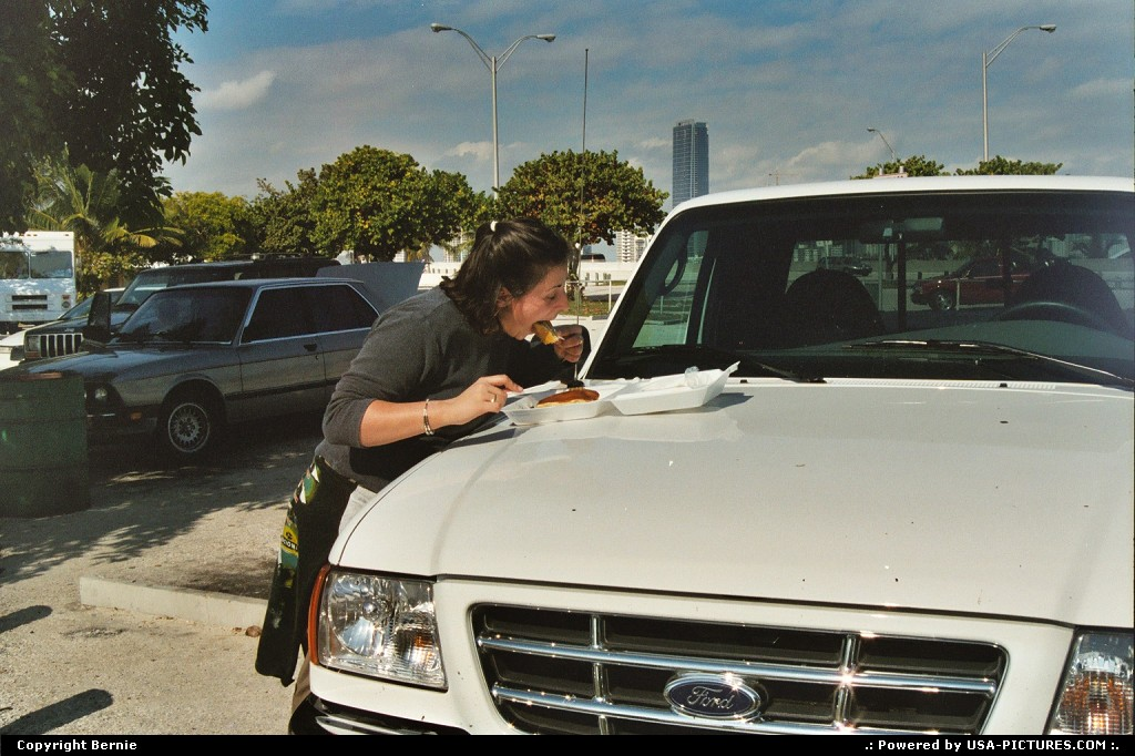 Picture by Bernie: Miami Florida   people, car, pancake