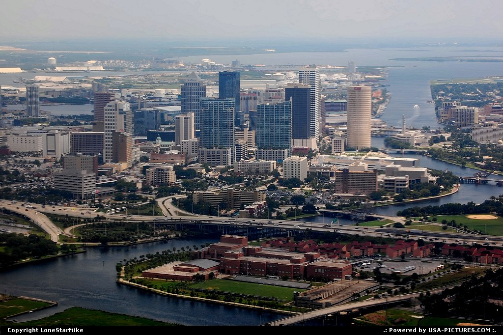 Picture by LoneStarMike: Tampa Florida   skyline, aerial
