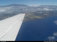 Photo by elki |   big island, boeing 717, hawaiian