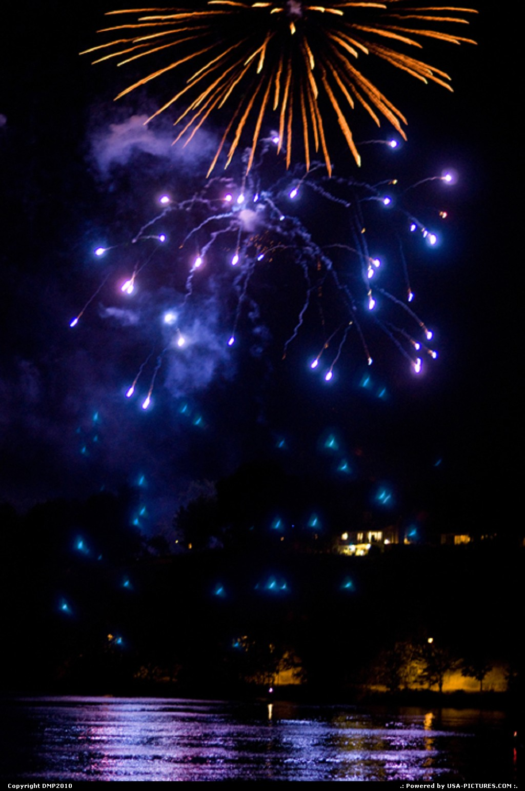 Picture by DMP2010: Lewiston Idaho   lights,fireworks,river,idaho,colorful,sky