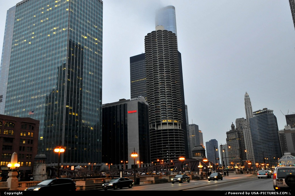 Picture by Parmeland: Chicago Illinois