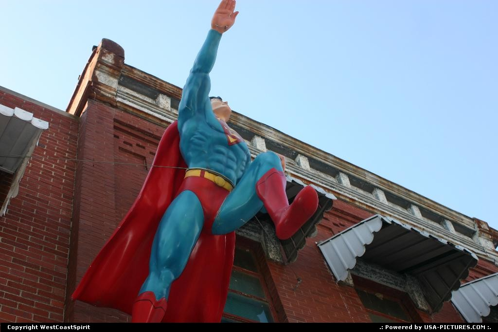 Picture by WestCoastSpirit: Metropolis Illinois   cartoon, superman
