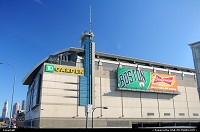 Massachusetts, http://fr.wikipedia.org/wiki/TD_Garden Le TD Garden (auparavant Shawmut Center et FleetCenter, surnommé The Vault, The Garden) est une salle omnisports située dans le quartier de West End à Boston au Massachusetts, aux Etats-Unis d'Amérique. Elle est commanditée par la société TD Bank, N.A., une filiale américaine de la Banque Toronto-Dominion. Depuis 1995, c'est le domicile des Celtics de Boston de la National Basketball Association (ou NBA) et des Bruins de Boston de la Ligue nationale de hockey. De 1996 à 1997, une équipe de crosse en enclos de la National Lacrosse League du nom de Boston Blazers avait évolué dans cette salle. C'est en 2009 que la NLL fait son retour à Boston avec la création d'une nouvelle franchise qui porte également le nom de Boston Blazers. Le Garden organise de nombreuses manifestations avec notamment chaque année le tournoi Beanpot (tournoi de hockey entre quatre universités bostoniennes), les finales du Hockey East, des concerts, ainsi que des remises de diplômes universitaires. L'arène fut le théâtre de la Convention nationale démocrate en juillet 2004. Sa capacité est de 18 624 places pour le basket-ball, 17 565 pour le hockey sur glace et 19 580 places au maximum. Elle dispose aussi de 1 100 sièges de club et 90 suites de luxe. more @ http://fr.wikipedia.org/wiki/TD_Garden http://en.wikipedia.org/wiki/TD_Garden TD Garden[5] is a multi-purpose arena in Boston, Massachusetts. It is named after its sponsor, TD Bank, N.A. and is often simply referred to by local Bostonians as, The Garden, The Fleet Center, or the traditional Boston Garden.[citation needed] It was formerly known as the FleetCenter and the Shawmut Center (title sponsor Shawmut Bank was bought by FleetBoston Financial before the arena opened). TD Bank, N.A. has been in control of the arena's naming rights since 2005, with the arena called TD Banknorth Garden until July 16, 2009, when the TD Banknorth name ceased to exist. TD Garden is the home arena for the Boston Bruins of the National Hockey League and the Boston Celtics of the National Basketball Association. It is the site of the annual Beanpot college hockey tournament, and hosts the annual Hockey East Championships. The arena has also hosted many major national sporting events including the 1999, 2003, and 2009 NCAA Division I Men's Basketball regional first and second rounds, the 2009 and 2012 Sweet Sixteen and Elite Eight, the 1998 Frozen Four,the 2004 Frozen Four, and the 2006 Women's Final Four. It also hosted the home games of the 2008 NBA Finals, 2010 NBA Finals, and the 2011 Stanley Cup Finals for the Celtics and Bruins, respectively. more @ http://en.wikipedia.org/wiki/TD_Garden