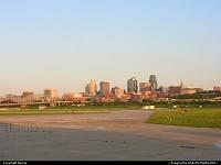 Kansas City : City skyline seen from the municipal airport