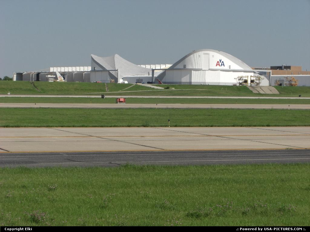 Picture by elki: Kansas City Missouri   TWA, AA, American Airlines