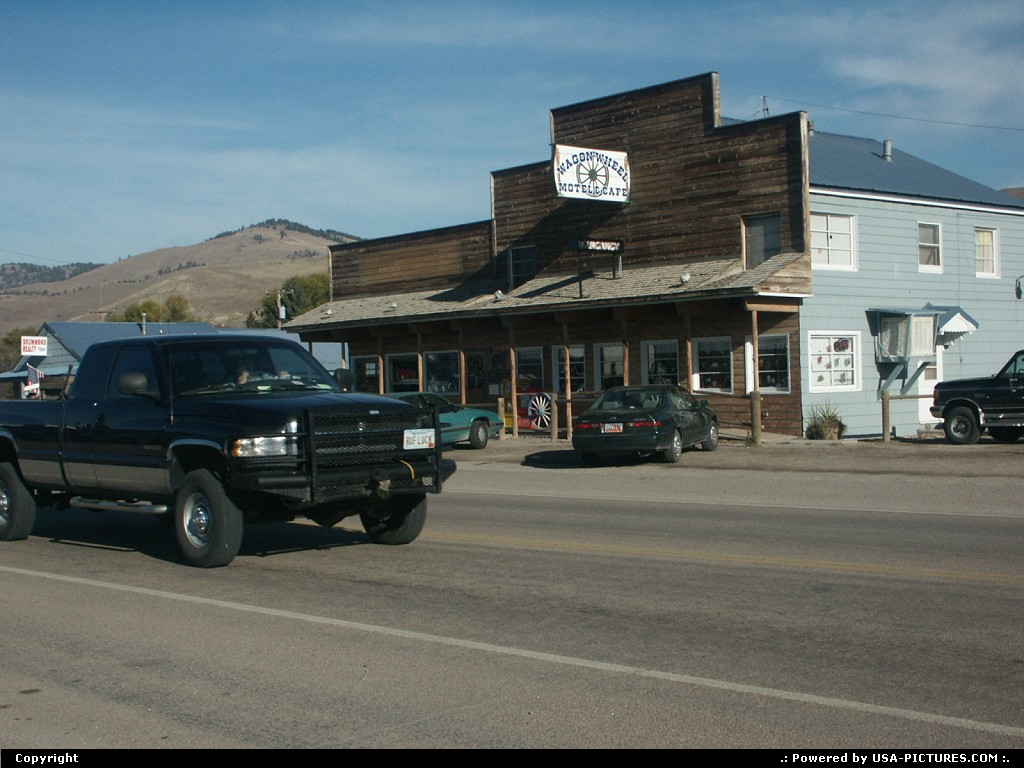 Picture by elki: Drummond Montana   motel