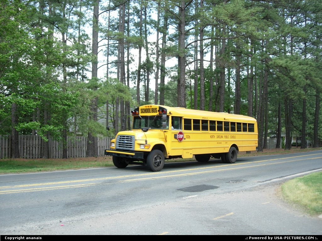 Picture by ananais: Charlotte North-carolina   schoolbus