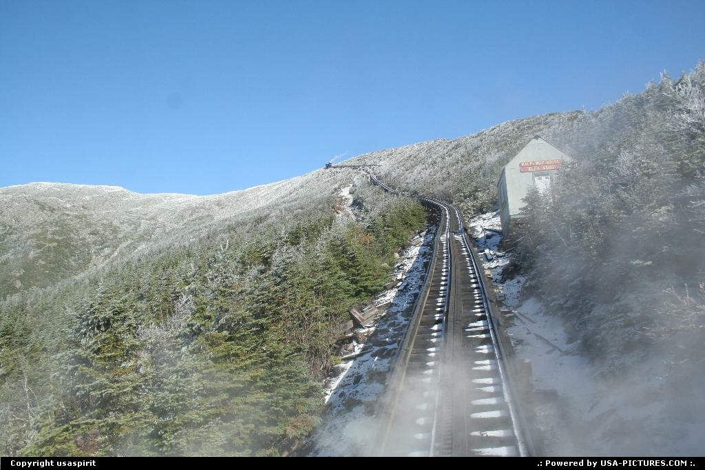 Picture by usaspirit: Not in a city New-Hampshire   Mount washington, train