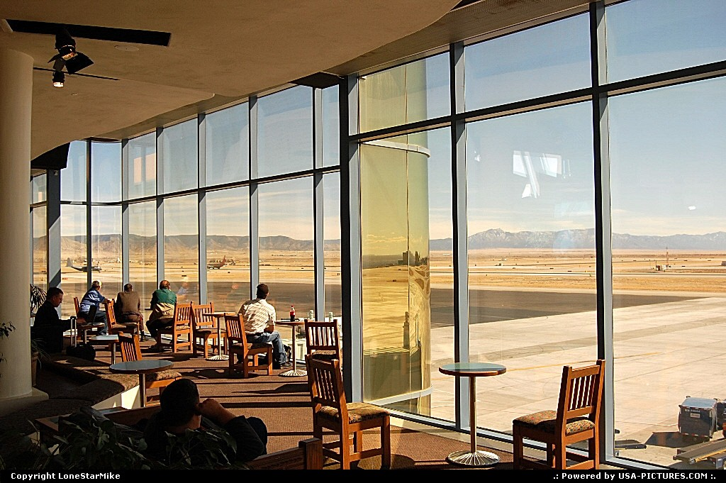 Picture by LoneStarMike: Albuquerque New-mexico   airport, observation, lounge