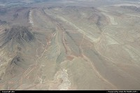 Hors de la ville : Yes, that is very dry, that the nevada desert. On the way to grand Canyon