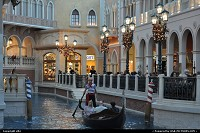 Las Vegas : inside the venetian hotel and casino, enjoy a ride, just like if you are at venetian. well is the magical Las Vegas