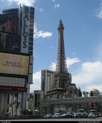 Photo by elki | Las Vegas  Las vegas paris hotel casino